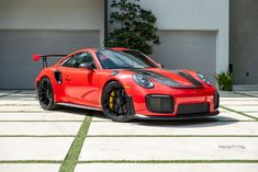 The photograph was done for a client in the hopes to sell his baby. Exotic Sports Cars, Exotic Cars, Porsche 911 Gt2 Rs, Nutrition Club, Herbalife Nutrition, Pac Man, Concept Cars, Carrera, Ford Mustang