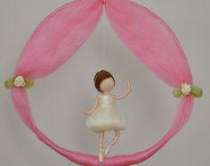 Girls Mobile needle felted room decoration : by MagicWool on Etsy Wool Dolls, Felt Dolls, Felt Crafts, Diy And Crafts, Crafts For Kids, Diy Laine, Girl Birthday Decorations, Needle Felting Tutorials, Felt Fairy