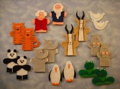 Noah's Ark Finger Puppets Pattern by NancyWinebrener - Craftsy Felt Finger Puppets, Hand Puppets, Bible Crafts, Felt Crafts, Bible Quiet Book, Quiet Books, Finger Puppet Patterns, Paper Bag Puppets, Sunday School Crafts