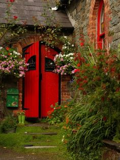 bright red door, beautiful
