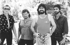 Alabama, The band that made country cool!!!!!!