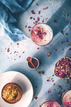 Rose & Earl Grey Tea Latte recipe by HonestlyYUM (honestlyyum.com)