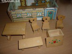 Starší nábyteček. Krabička slouží jako pokojíček. Pěkný.Pošt. - obrázek číslo 1