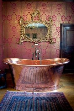 copper bath tub~~~~what You meant to say was.what a magnificent copper tub! Copper Tub, Copper Bathroom, Bathroom Plumbing, Copper Mirror, Ornate Mirror, Concrete Bathroom, Copper Rose, Bathroom Modern, Minimalist Bathroom