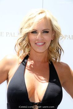 Jenny McCarthy  hosts the 'Ultimate Pool Party' at Azure Luxury Pool in The Palazzo Resort Hotel and Casino http://icelebz.com/events/jenny_mccarthy_hosts_the_ultimate_pool_party_at_azure_luxury_pool_in_the_palazzo_resort_hotel_and_casino/photo2.html