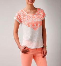 T-shirt femme reliéfé fluo