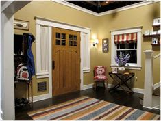 I watch Parenthood and have loved the design theme of Phil and Claire's house from the beginning!