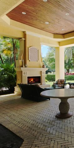 This is a scenic image of an Admirals Cove inviting and comfortable porch and patio found in north Palm Beach County. The home is in the luxury home housing community of Admirals Cove. #admiralscove #admiralscovehomes #admiralscovehomesforsale