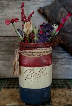 The Junk Chick ~ Distressed Ball Jar ~ of July and Memorial Day Mason Jar idea for rustic Americana decor. Mason Jar Projects, Mason Jar Crafts, Mason Jar Diy, Bottle Crafts, Mason Jar Vases, Painted Mason Jars, Americana Crafts, Patriotic Crafts, July Crafts