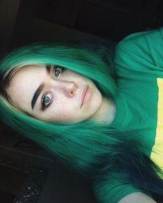 ❀ Valentina Romée ❀ Neon Hair, Blue Hair, Violet Hair, White Hair, Dip Dye Hair, Dye My Hair, Hair Shows, Mermaid Hair, Rainbow Hair