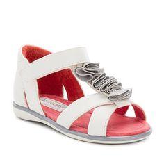 http://www.mayoral.com/es/espana/baby-3-a-24-meses-ellas/zapatos-300000000000093505--5/sandalia-con-adornos