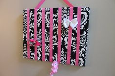Hair Bow Holder Black and White Damask. Prefect for all your little girls Hairbows, and Headbands. Already made so you don't have to DIY.