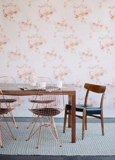 Wallpaper : Antoinette // Petite