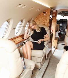 Boss lady lifestyle #businesswoman Moda Aesthetic, Aesthetic Women, Boss Babe, Girl Boss, Estilo Gossip Girl, Luxury Lifestyle Women, Elegantes Outfit, Rich Girl, Rich Man