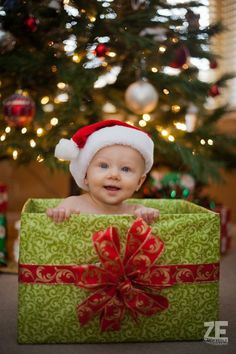 Baby's First Christmas Pictures Ideas | Fizara DIY Photo Albums                                                                                                                                                                                 More