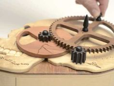 Steampunk Puzzle Box - This would make an interesting geocache! Woodworking Books, Woodworking Skills, Easy Woodworking Projects, Japanese Puzzle Box, Chinese Puzzle Box, Escape Room Puzzles, Marble Machine, Wooden Gears, Laser Cutter Ideas