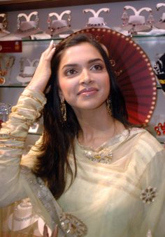 Deepika padukone in saree...........