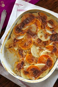 Add a little seasonal sweetness to your usual potato gratin with butternut squash. Get the recipe for potato and butternut squash gratin. Veggie Recipes, Fall Recipes, Cooking Recipes, Holiday Recipes, Christmas Recipes, Christmas Ideas, Holiday Meals, Dinner Recipes, Thanksgiving Ideas