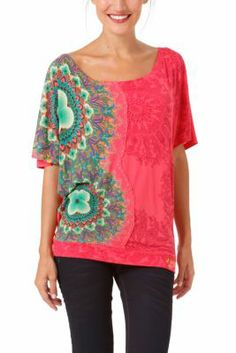 Desigual women's Yanira T-shirt. You'll find lurex embroidery throughout the garment. Elasticated waistband and boat neck.