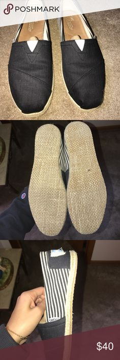 Brand New Toms, never worn Brand new Toms! Size 10, clearly never worn. Navy and cream pattern. Still has shoe stuffing inside. Toms Shoes Flats & Loafers