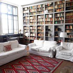 Lovely bookshelf!