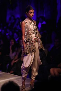 Anamika Khanna for PCJ Delhi Couture Week 2013