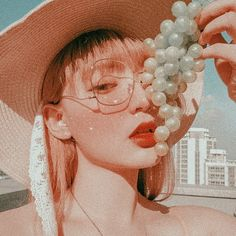 Korean Aesthetic, Red Aesthetic, Cute Girl Face, Western Girl, Ulzzang Korean Girl, Uzzlang Girl, Aesthetic People, Stylish Girl Pic, Kawaii