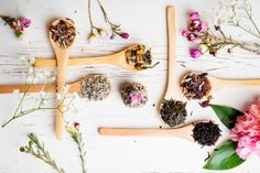 All About Adaptogens: 5 Stress-Busting Herbs - Ashwaganda, Astralagus, Cordycep Mushroom, Holy Basil (Tulsi) & Rhodiola Herbal Remedies, Home Remedies, Natural Remedies, Herbs For Health, Health And Wellness, Healthy Herbs, Healthy Hair, Organic Skin Care, Natural Skin Care