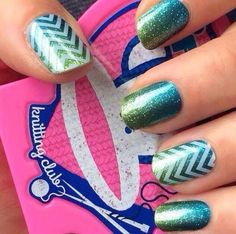 I love this layered look. Would be great for a beach mani.   Jamberry Atlantis and White Chevron  http://www.jamcrazyc.jamberrynails.net