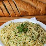 Espagueti con ajo y aceite