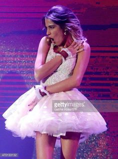 ❤️✨ Violetta And Leon, Violetta Live, Show, Thats Not My, Tulle, Flower Girl Dresses, Ballet Skirt, Celebs, Costumes