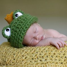 Frog Prince Hat Pattern by MicahMakes | Crocheting Pattern