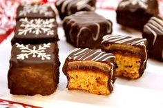 Mézes dominó kocka recept Hungarian Desserts, Hungarian Recipes, Cake Bars, Food Cakes, Creative Food, Cake Recipes, Sweet Treats, Food And Drink, Cooking Recipes