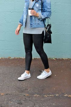 Outfits with leggings - 45 stylish summer outfits to wear with converse for women 08 ~ Litledress Legging Outfits, Adidas Leggings Outfit, Jean Jacket Outfits, How To Wear Leggings, Summer Leggings Outfits, Leggings Sale, Leggings And Converse, Cheap Leggings, Outfit With White Converse