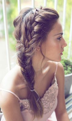 Coiffure-femme-cheveux-long-la-tresse-romantique