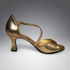 Goldener Riemchen-Pumps mit Schlangenlederoptik als Tanzschuh - handgefertigt