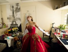 Photo of Heart don't fail us now! Christy Altomare is all smiles as she steps offstage after the opening night curtain call. Theatre Geek, Broadway Theatre, Music Theater, Broadway News, Theatre Jokes, Broadway Plays, Anastasia Broadway, Anastasia Musical, Anastasia Costume