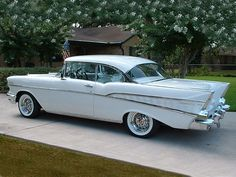 1957 Chevrolet Bel Air 2Dr HT White w Wire Wheels 800x600