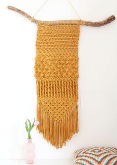 Crochet Wall Ornament Models - Handmade That Crochet Wall Art, Crochet Wall Hangings, Crochet Diy, Crochet Round, Crochet Home, Crochet Crafts, Crochet Projects, Crochet Rug Patterns, Crochet Stitches