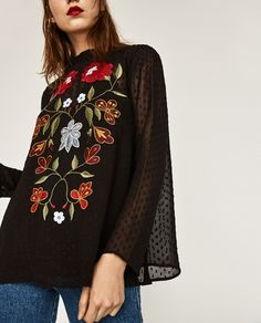 Image 4 of EMBROIDERED PLUMETIS BLOUSE from Zara