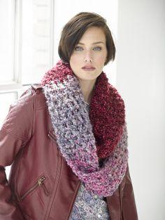 Free Crochet Pattern: Two Tone Mobius Cowl