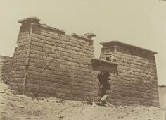 1849-1850 - Séboua : pylones de l'hemi-speos. Photographe : Maxime Du Camp