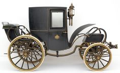 I want to ride around in this. Horse Carriage, Vintage Horse, Horse Drawn, Hot Wheels, Antique Cars, Transportation, Stage Coach, Horses, Saddles