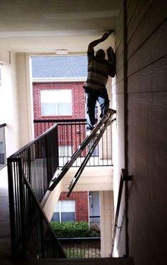 De ladder boven het trapgat