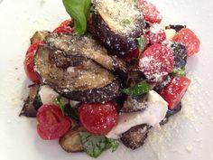 Parmigiana scomposta Steak, Bar, Food, Essen, Yemek, Steaks, Meals