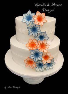 ORANGE & BLUE by Ana Remígio - CUPCAKES & DREAMS Portugal - http://cakesdecor.com/cakes/266922-orange-blue