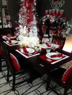 Polar Friends Table Setting From Trees N Trends. Fun Yet Elegant