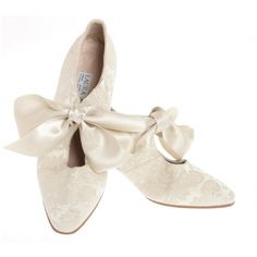 80s Laura Ashley New Romantic Cream Brocade Wedding Shoes ❤ liked on Polyvore featuring shoes, bridal shoes, eighties shoes, laura ashley shoes, evening shoes and brocade shoes