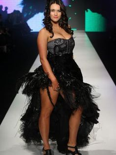 Plus-sized model Elizabeth Green shows she's got what it takes on the cat walk. Description from heraldsun.com.au. I searched for this on bing.com/images