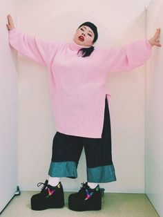 渡辺直美さんの「折り返しデニムパンツ(PUNYUS)」を使ったコーディネート